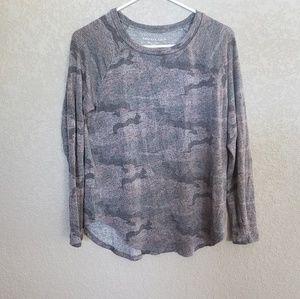 American eagle soft plush long sleeve shirt
